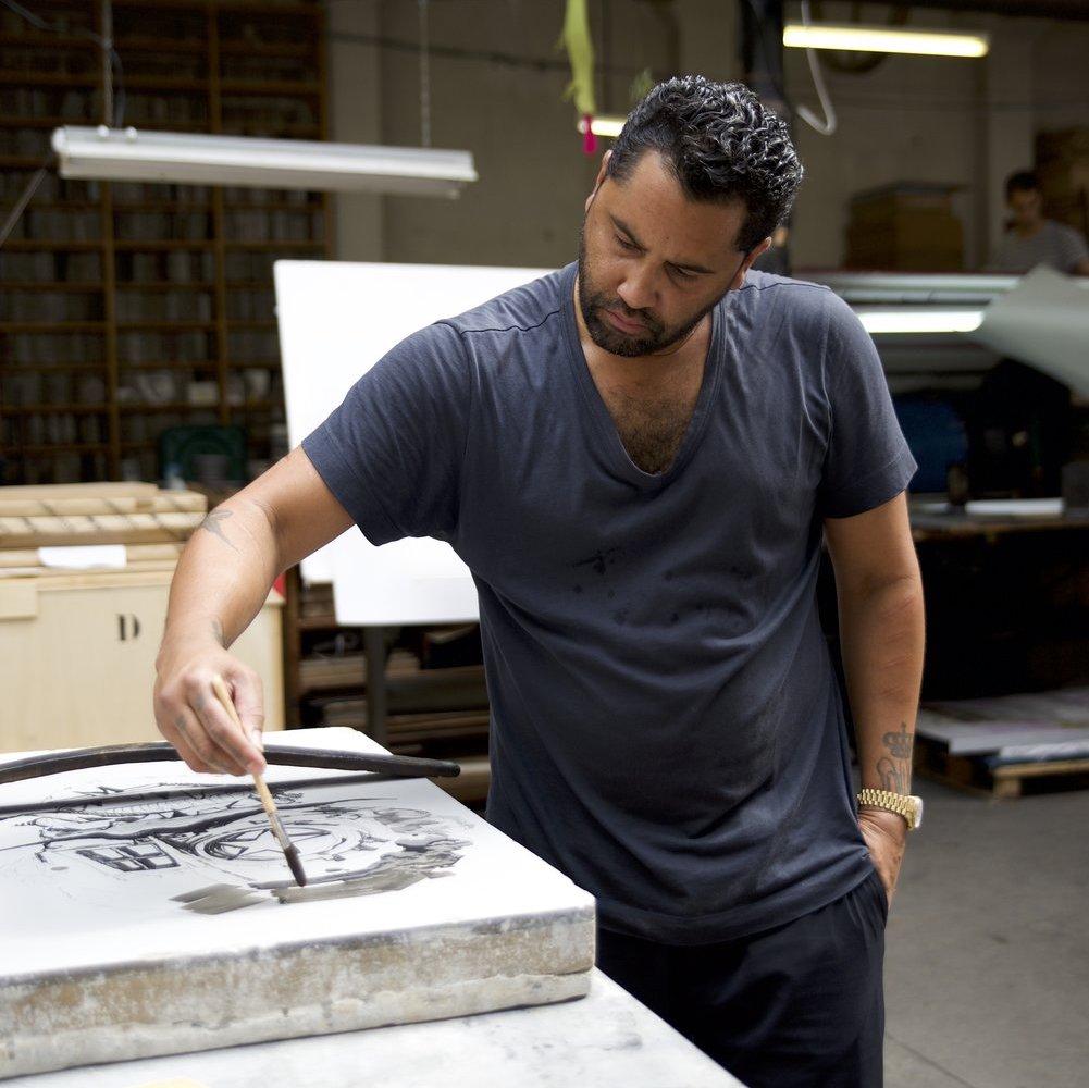 retna-urban-artist-working-blackstone-lithograph-on-stone-print-them-all