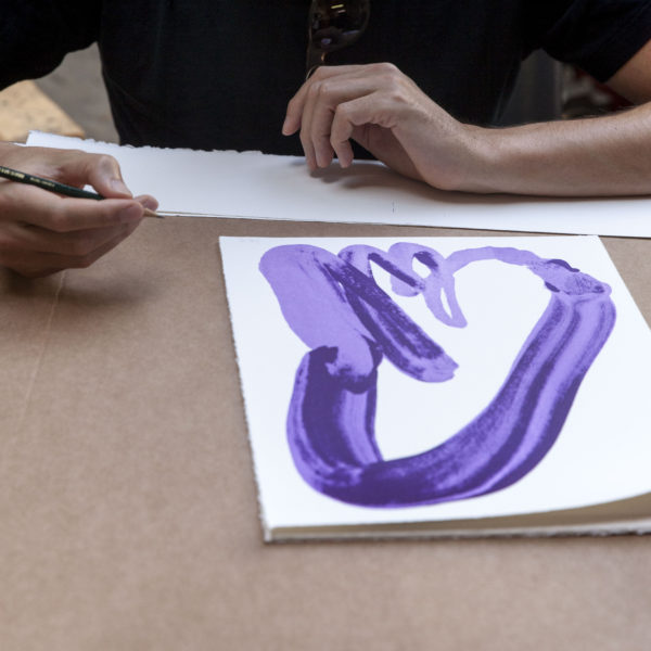 Violet Hand-1093