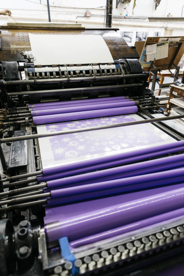 no-stain-no-gain-purple-white-edition-john-armleder-lithograph-print-them-all-mamco-geneve-printing-process