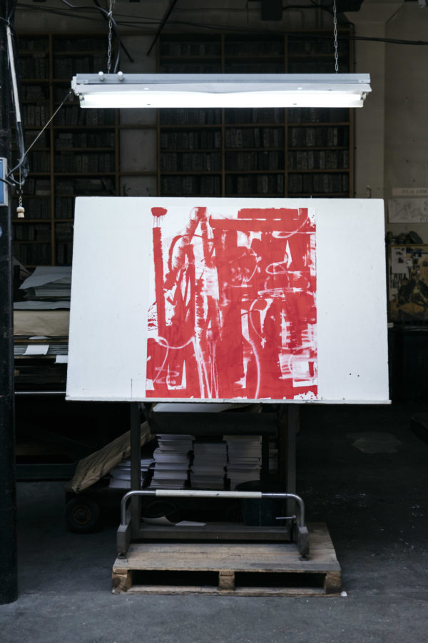 lasting-red-edition-zes-print-them-all-lithograph-presentation-art-printing-house