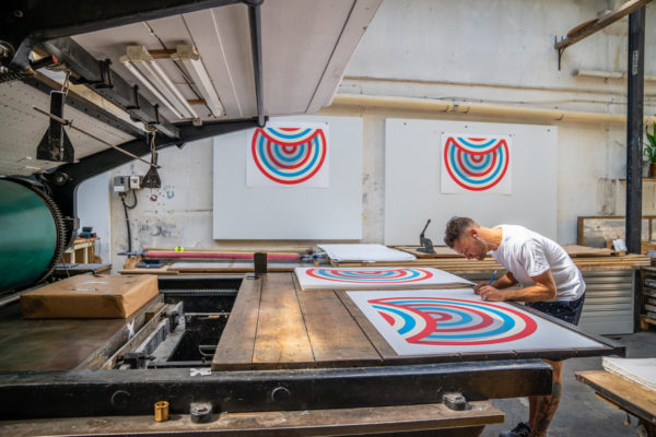 lazy-target-tavar-zawacki-print-them-all-lithograph-artist-signing-his-lithograph-limited-edition