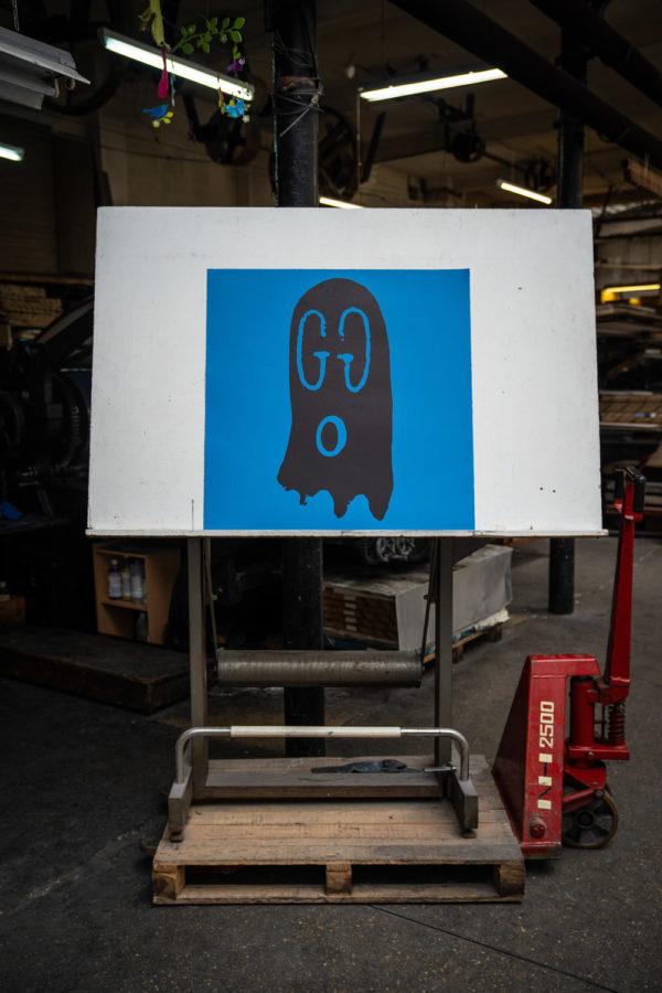 original-gucci-ghost-blue-edition-trevor-andrew-print-them-all-lithograph-presentation-printing-house-paris