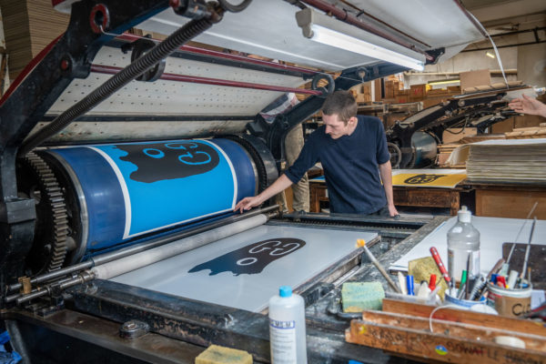 original-gucci-ghost-blue-edition-trevor-andrew-print-them-all-lithograph-printing-process-paris