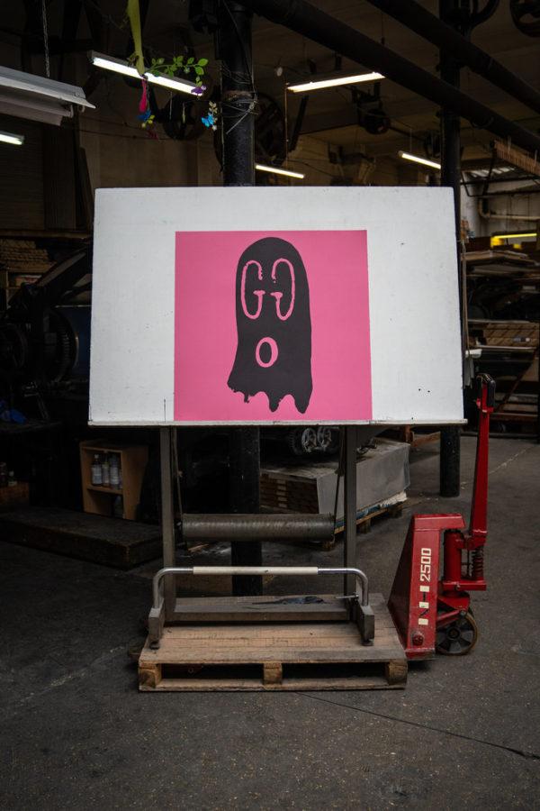 original-gucci-ghost-pink-edition-trevor-andrew-print-them-all-lithograph-presentation-printing-house-paris