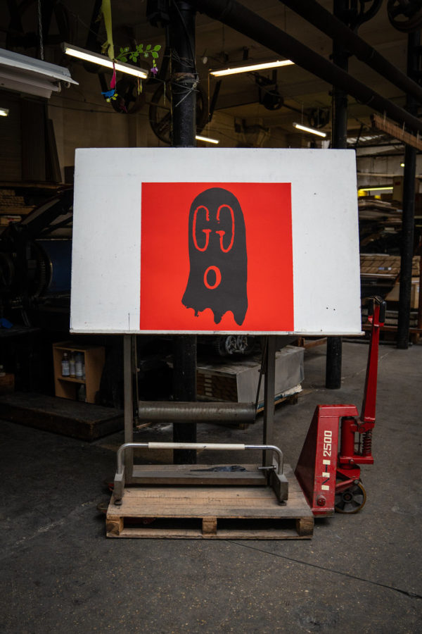 original-gucci-ghost-red-edition-trevor-andrew-print-them-all-lithograph-presentation-printing-house-paris