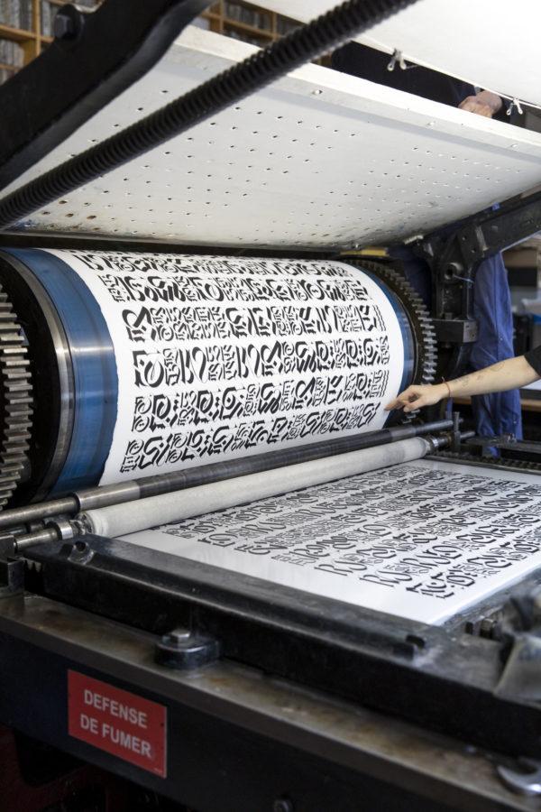 the-divine-letter-white-edition-cryptik-print-them-all-lithograph-printing-process-paris-calligraffiti